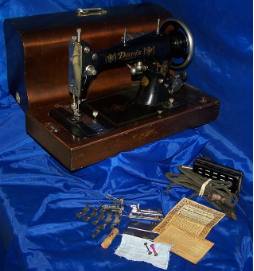 DAVIS MODEL D SEWING MACHINE