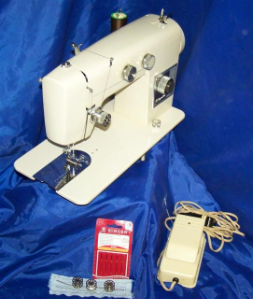 WARD SIGNATURE SEWING MACHINE