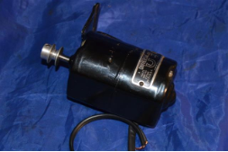 UNIVERSAL SEWING MACHINE MOTOR MODEL 18